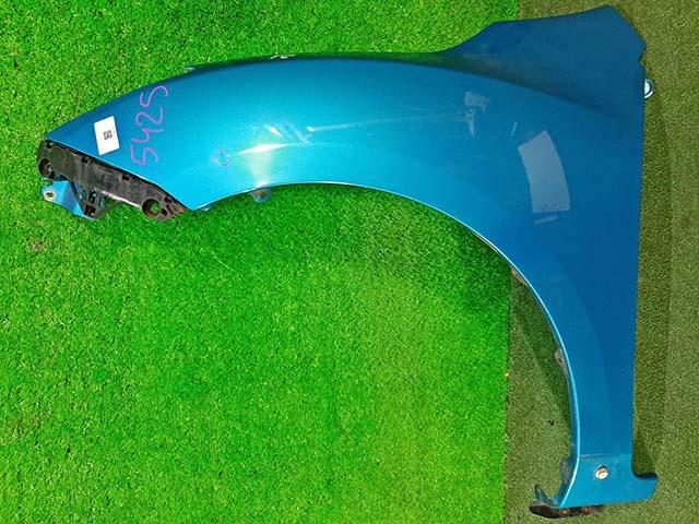 Крыло переднее левое синее в сборе с кронштейном, под порог (подмято ребро)  BBY45221Y_BU